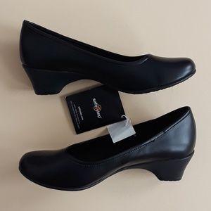 Predictions Women's Safe Step Shoe Size 6M
